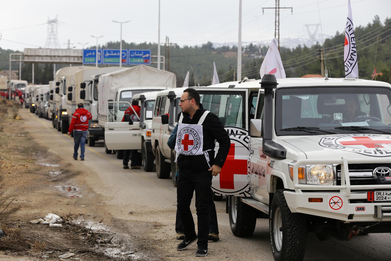 Конвой Красного Креста по дороге в город Мадая. 11 января 2016 года