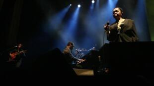 Césaria Evora lors d'un concert au Grand Rex, à Paris, en novembre 2009.