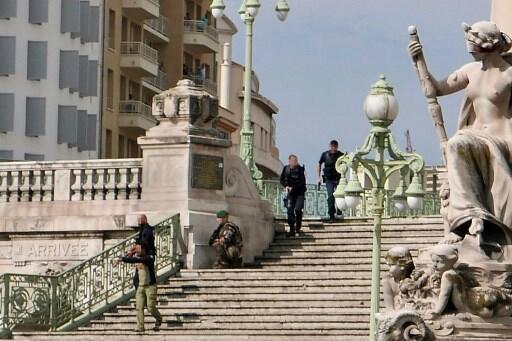 This picture obtained on the twitter account of Stan Marcelja and taken on October 1, 2017 shows French police on the stairs leading to the Saint-Charles main train station in Marseille, southern France, after a man armed with a knife killed two women