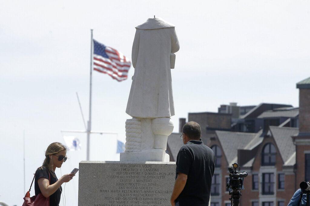 A imprensa francesa desta quinta-feira analisa o fenômeno de destruição de estátuas de personalidades ligadas ao passado escravocrata após a morte de George Floyd nos Estados Unidos.