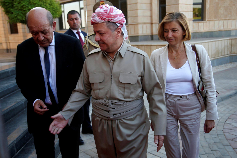 Ngoại trưởng Pháp Jean-Yves Le Drian (trái) và bà Florence Parly, bộ trưởng Quân Lực cùng thông báo ngưng chiến dịch di tản khỏi Afghanistan. Ảnh minh họa.