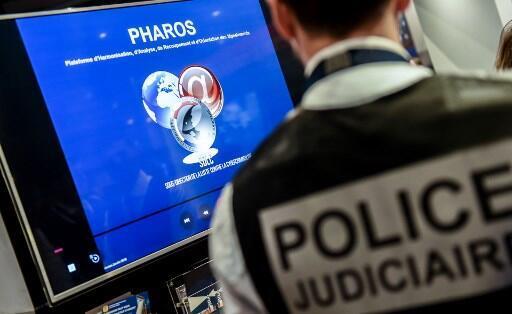 По данным МВД Франции, платформа PHAROS получает более 20 тысяч жалоб в месяц, и ее сотрудники делают все, что в их силах: с начала года «более 3 тысяч террористических сообщений было удалено и более 1 тысячи сайтов заблокировано».
