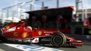 Kimi Raikkonen en su Ferrari, este 14 de marzo en el circuito Albert Park de Melbourne, Australia.