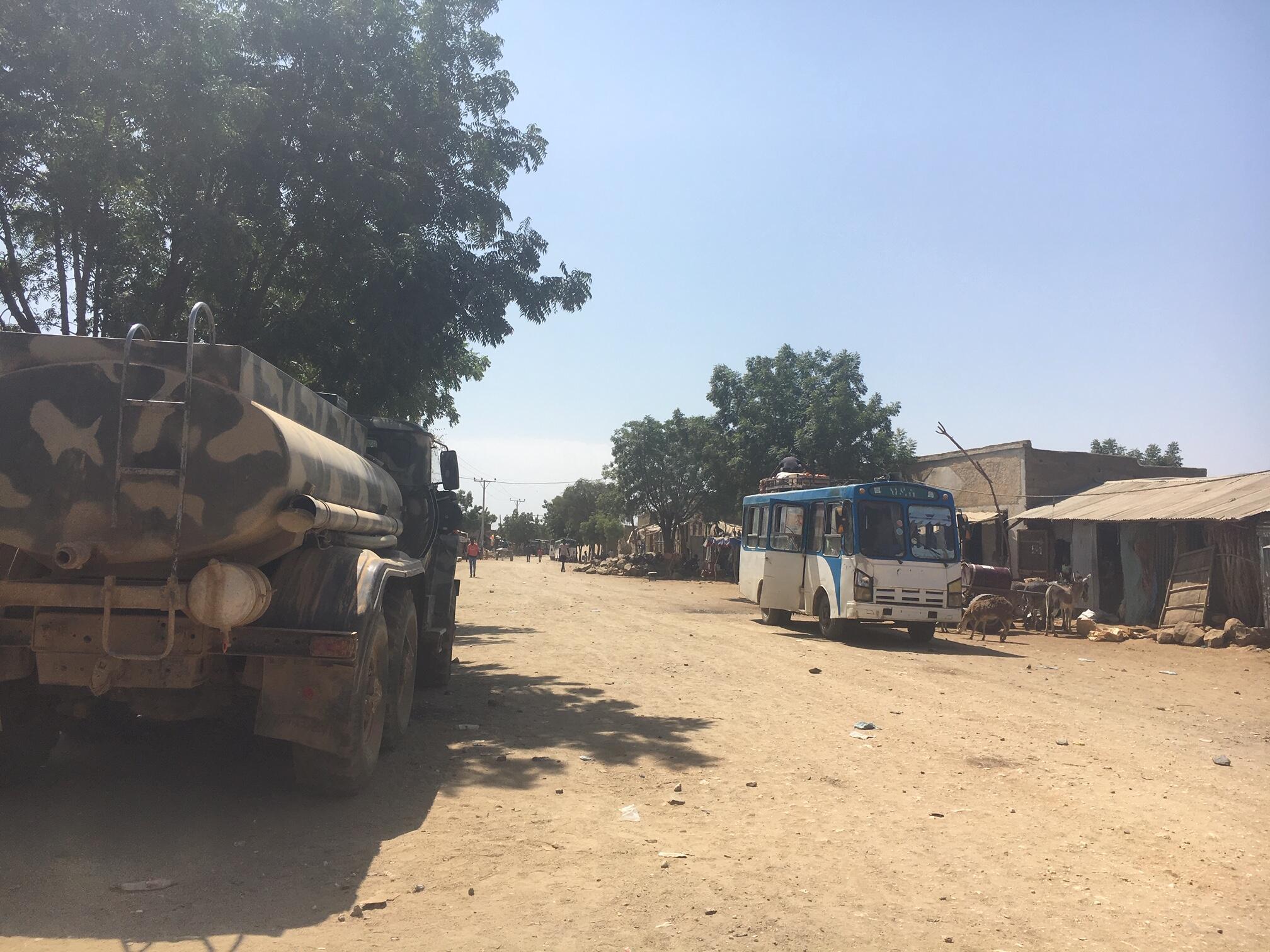 La petite bourgade de Badme, dernier village éthiopien avant la frontière avec l'Erythrée, est construite le long d'une piste qui ne mène nulle part, la frontière avec l'Erythrée étant toujours fermée.