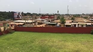 Vue de la ville de Dabou, à une cinquantaine de kilomètres d'Abidjan, en mars 2021. En octobre dernier, un conflit a éclaté et a fait une vingtaine de victimes.