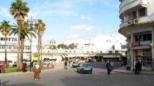 Aspecto de uma rua da cidade marroquina de Tânger