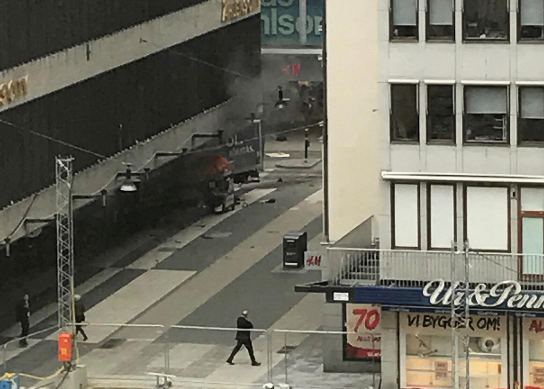 斯德哥爾摩卡車撞人恐怖案現場2017年4月7日