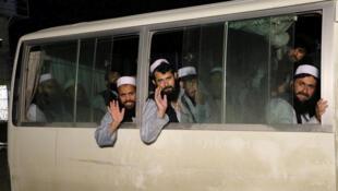 Les autorités afghanes avaient libéré des prisonniers talibans en premier. Ici à la prison de Bagram dans le nord du pays.