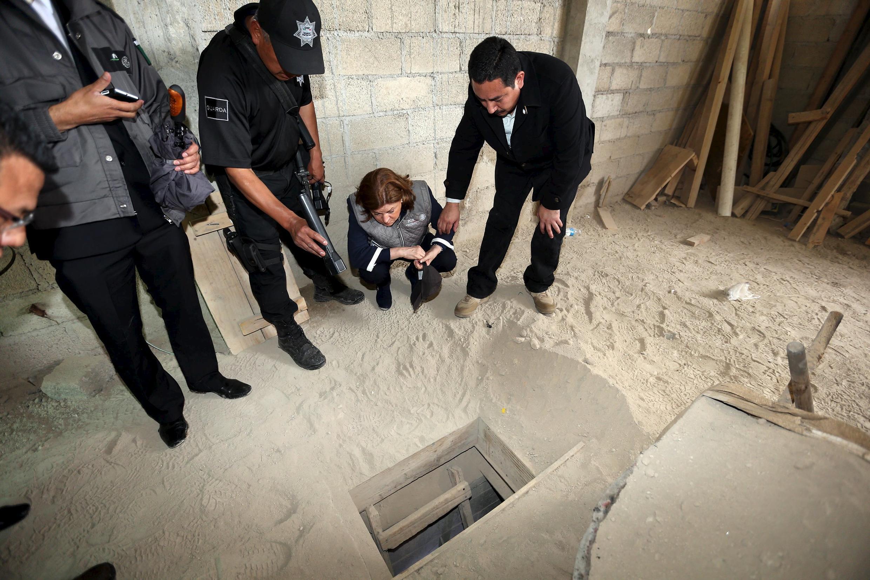 """""""El Chapo"""" escapou por um túnel de 1 km e meio, a 10 metros de profundidade de uma prisão com circuito de vigilância ativo 24h/24."""