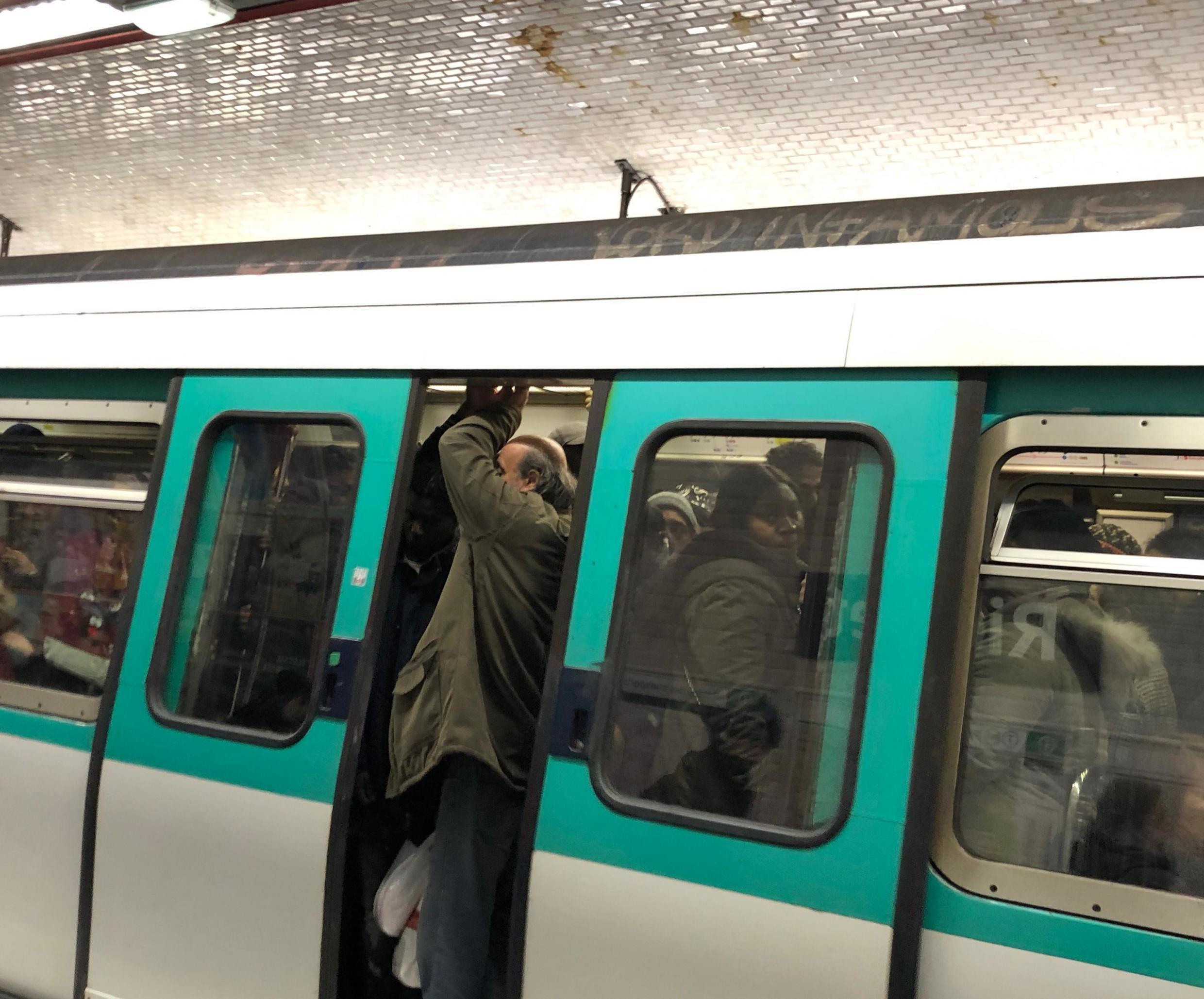 Traffic on Paris Metro lines remained saturated and disrupted on Monday despite a slight uptick in the number of lines providing services.
