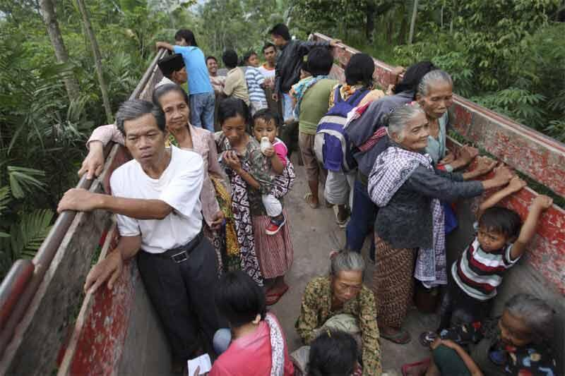 Villagers are moved from Java's Mount Merapi