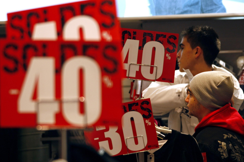 As liquidações começaram em todo o país hoje quarta-feira 12 de janeiro de 2011.