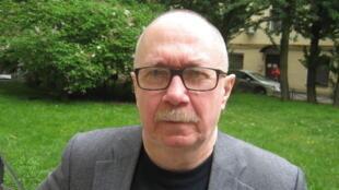 Писатель, журналист и политический обозреватель Денис Драгунский