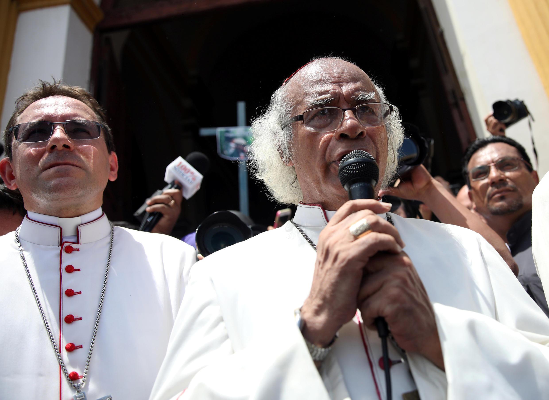 Hồng y Leopoldo Brenes phát biểu trước công chúng Masaya, Nicaragua, ngày 21/06/2018.