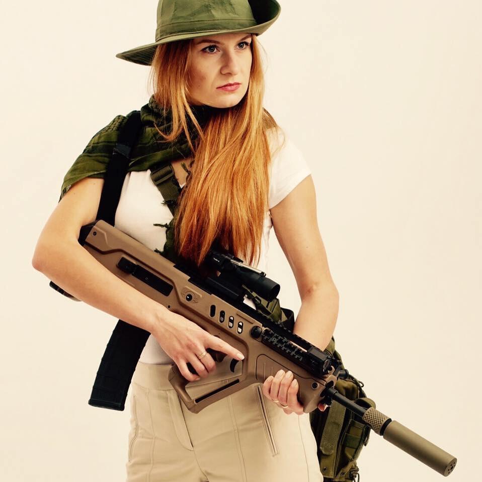 A espiã russa Maria Butina, pró-armas.
