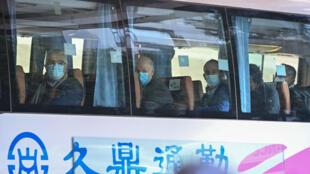 世衛組織OMS專家離開被隔離14天的武漢酒店 2021年1月28日