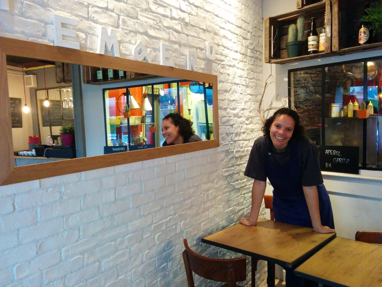 """Alessandra Montagne em seu restaurante, """"O Tempero."""""""
