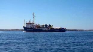 Le «Sea-Watch 3» en route vers l'île italienne de Lampedusa, le 26 juin 2019.
