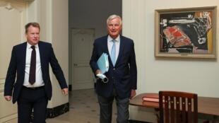 Le négociateur en chef britannique David Frost (g) et le négociateur européen du Brexit Michel Barnier à Bruxelles, ce vendredi 21 août 2020.