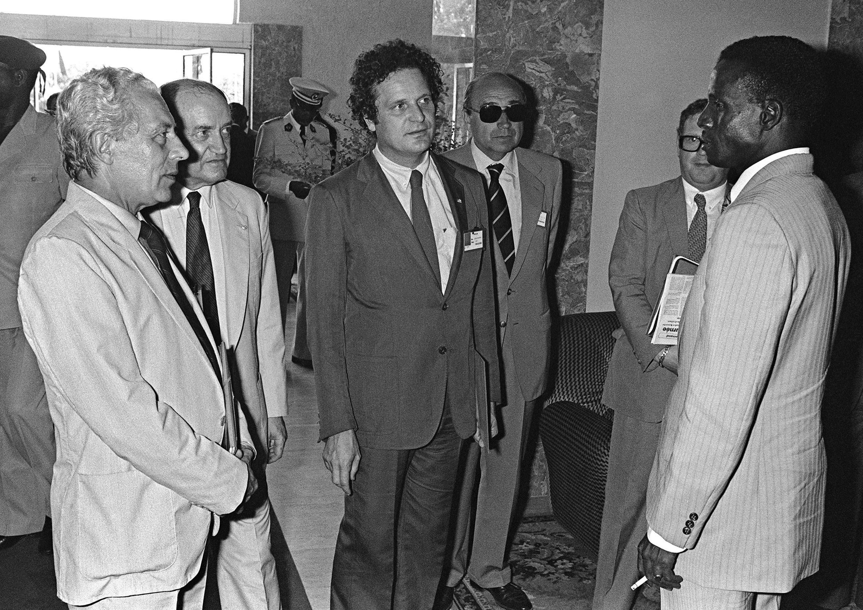 Jean-Pierre Cot face au président du Niger Seyni Kountche, le 20 mai 1982.