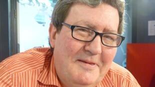Juan Manuel Bonet, director del Instituto cervantes de París, en los estudios de RFI.