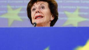 A ex-comissária europeia Neelie Kroes terá que se explicar sobre seu envolvimento com offshore enquanto assumia cargo público.