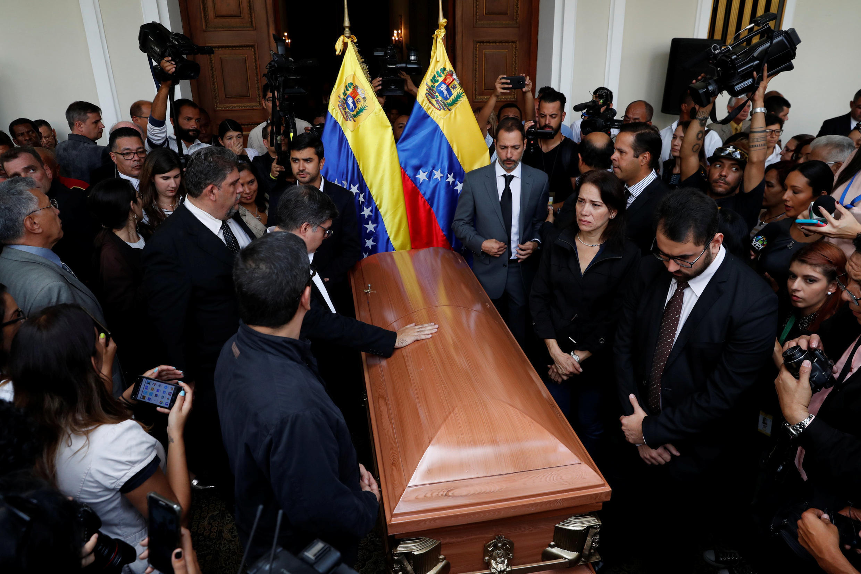 Velório do vereador opositor de Maduro, Fernando Alban, na Assembleia Nacional de Caracas, Venezuela, 9/10/2018