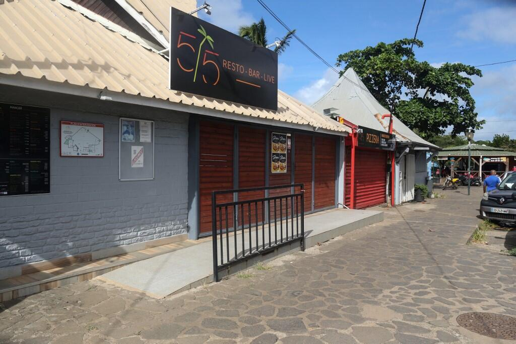 Restaurants closed in the covered market in Mamoudzou in Mayotte