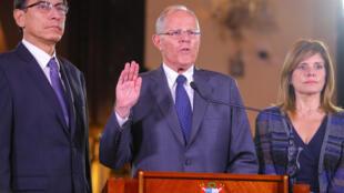 Presidente peruano jura inocência ao lado de seus vices Martin Vizcarra e Mercedes Araoz