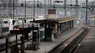 Gare de Lyon tại Paris, chuyên phục vụ các tuyến đường cao tốc đi các tỉnh miền nam, ngưng hoạt động do nhân viên SNCF đình công, Paris ngày 06/12/2019.