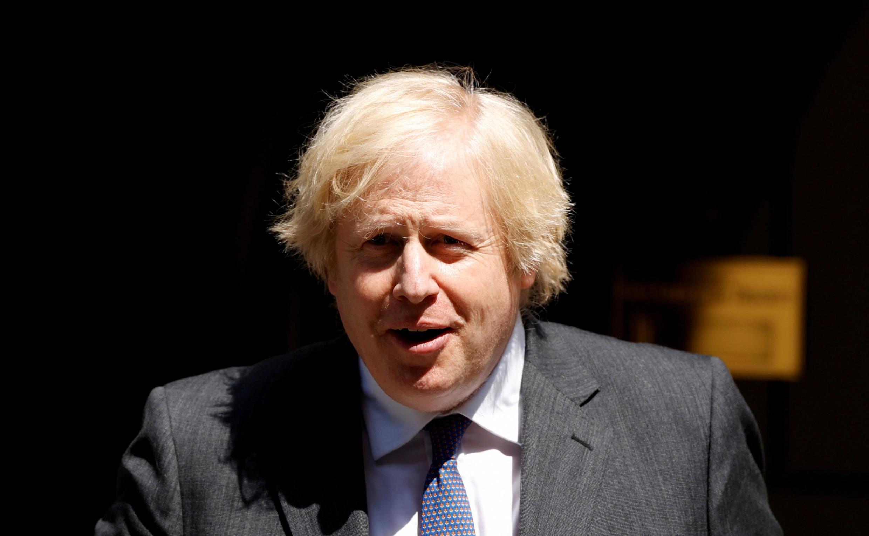 Le Premier ministre britannique Boris Johnson sort de Downing Street à Londres, le 24 juin 2020.