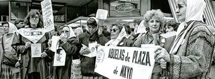 Les «mères de la place de Mai, le 16 septembre 1988.