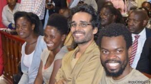 Jovens activistas durante o julgamento dos 15+2 em Luanda