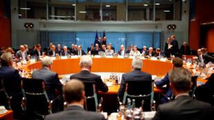 Angela Merkel durante encontro com prefeitos de cidades alemãs na chancelaria, em Berlim, em 28 de novembro de 2017.