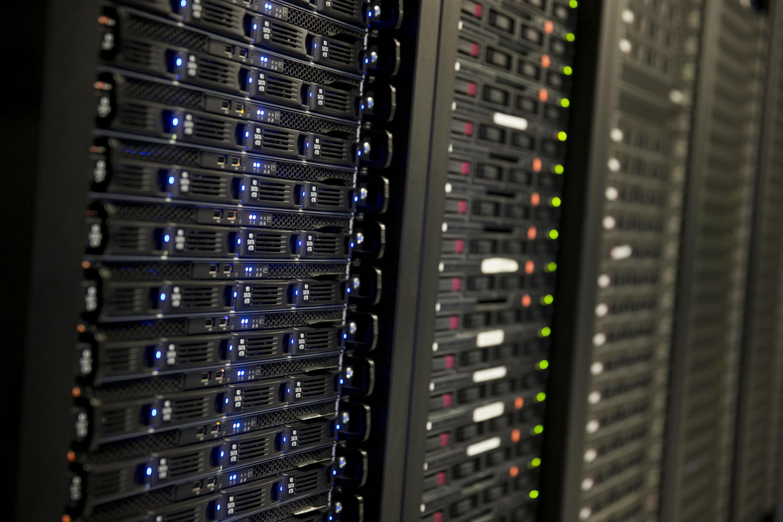 Chacun de nos e-mails, selfies ou messages sont conservés des années dans de gigantesques fermes à données : les data centres.