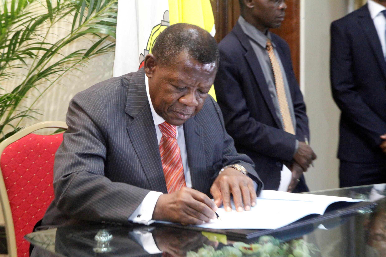Waziri wa habari nchini DRC Lambert Mende