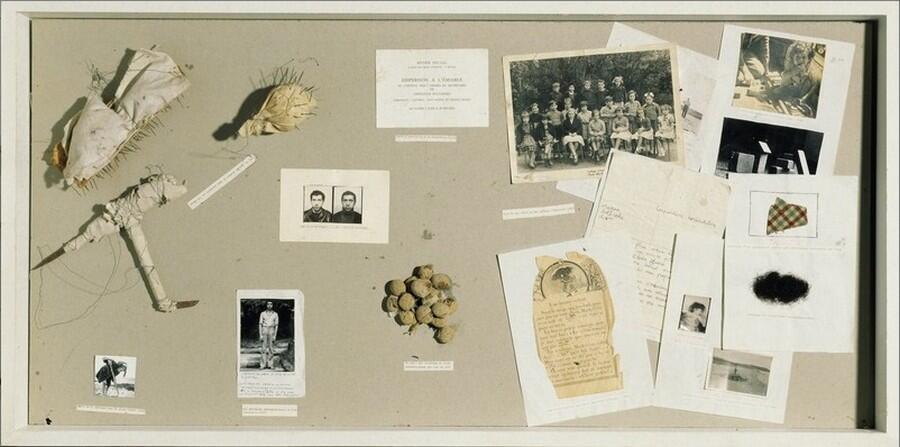ویترین مرجع اثری از کریستیان بولتانسکی، مرکز ملی فرهنگ و هنر ژرژ پمپیدو