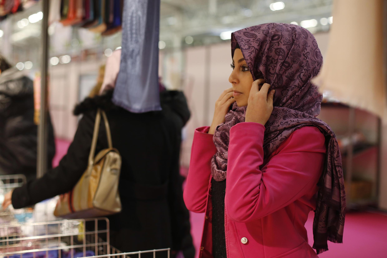 Наиболее активно о своей религии заявляют мусульмане