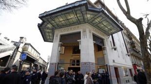 Finalement rénové, le cinéma Louxor a été inauguré le 17 avril 2013.