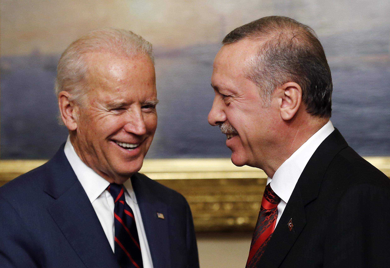 Tổng thống Thổ Nhĩ Kỳ Tayyip Erdogan (P), tiếp Phó Tổng thống Mỹ Joe Biden, Istanbul, 22/11/2014