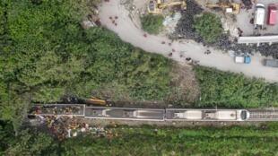 El lugar donde descarriló el tren en Hualein, Taiwán, el 2d e abril de 2021
