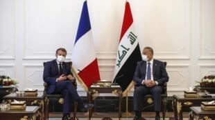Après une visite à Beyrouth, Emmanuel Macron s'est rendu à Bagdad pour rencontrer les dirigeants irakiens, notamment le Premier ministre Mustafa al Kadhimi, et réaffirmer l'amitié entre les deux pays.