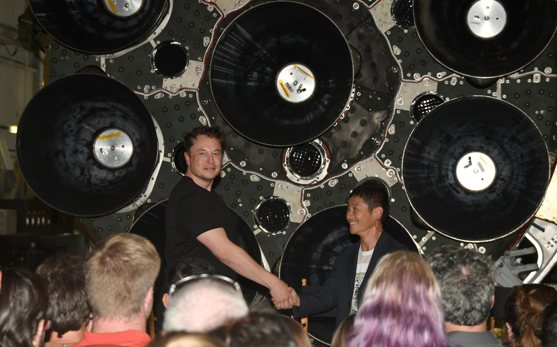 O primeiro turista que visitará a Lua pela SpaceX é o magnata japonês Yusaku Maezawa.
