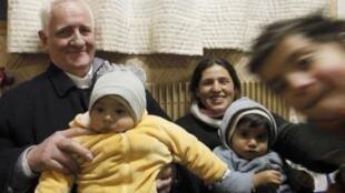 Католический священник Артюр Эрве в цыганской семье