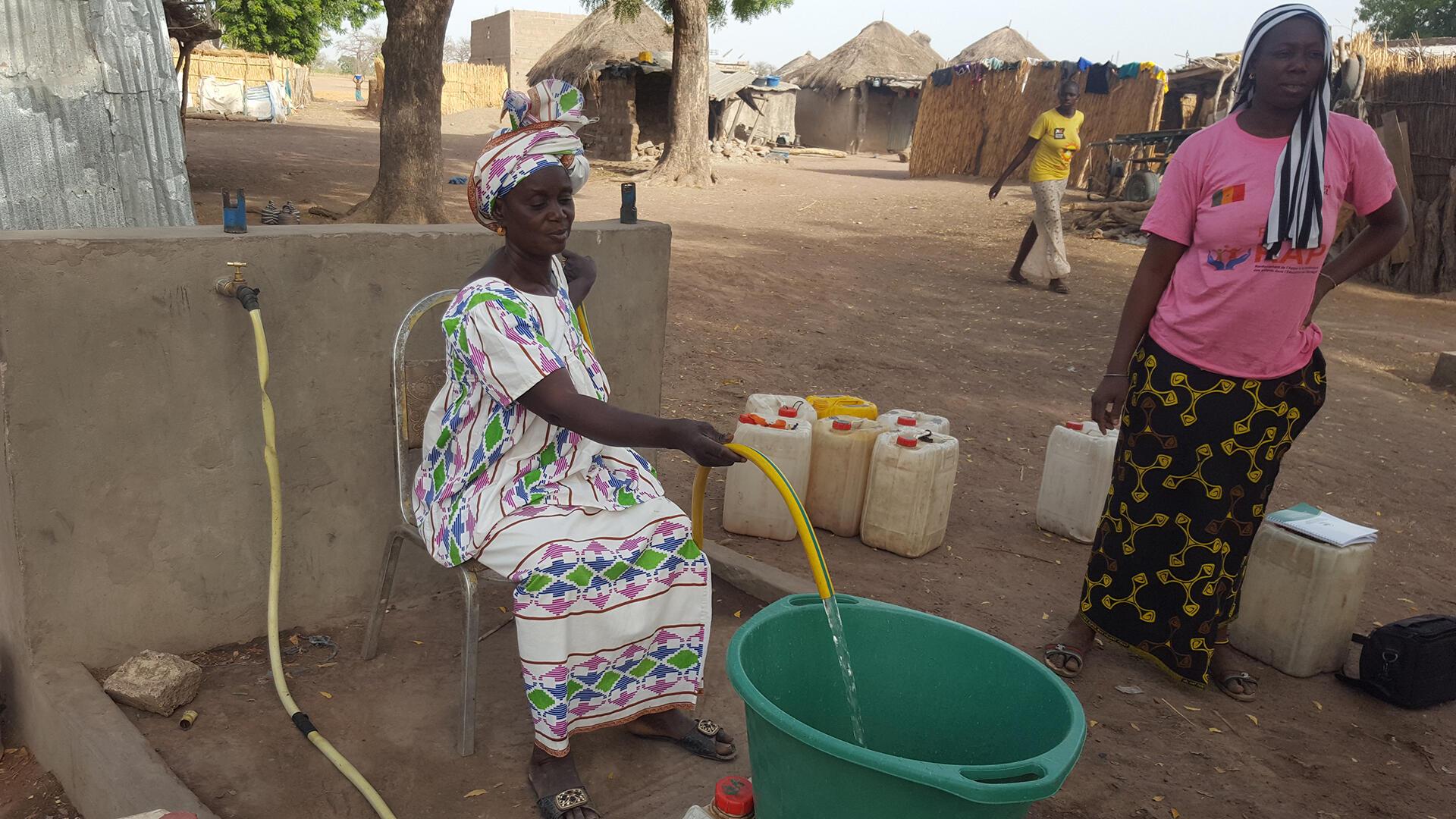 Sénégal - Khady Ndao - groupement des femmes de Patoulane - Le coq chante