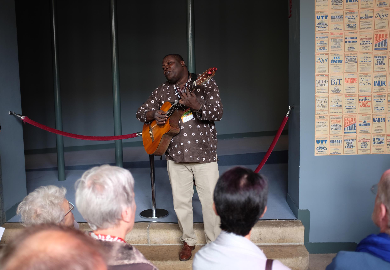 Wooly Saint Louis Jean, musicien-poète haïtien.