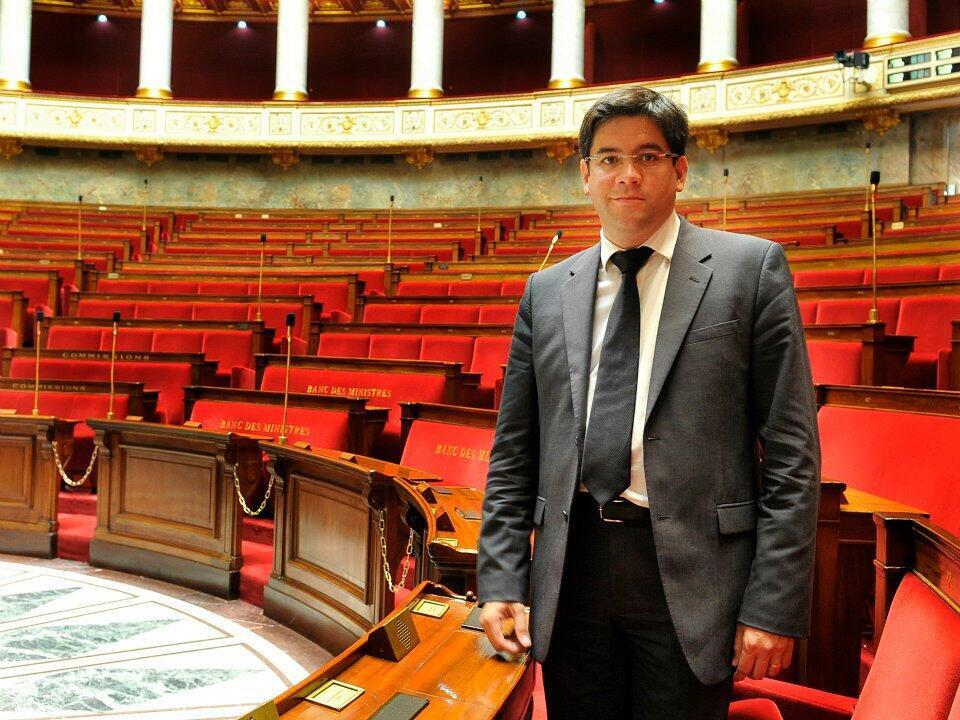 Депутат от правящей партии социалистов Гвенеган Бюи