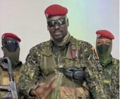 O tenente-coronel Mamadi DOUMBOUYA