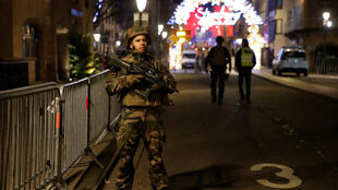 Militares cerca del mercado de Navidad de Estrasburgo, este 11 de Diciembre de 2018.
