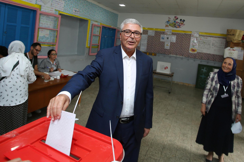 Vote de Abdelkarim Zbidi, ministre de la Défense et candidat à l'élection présidentielle, à Sousse, Tunisie, le 15 septembre 2019.